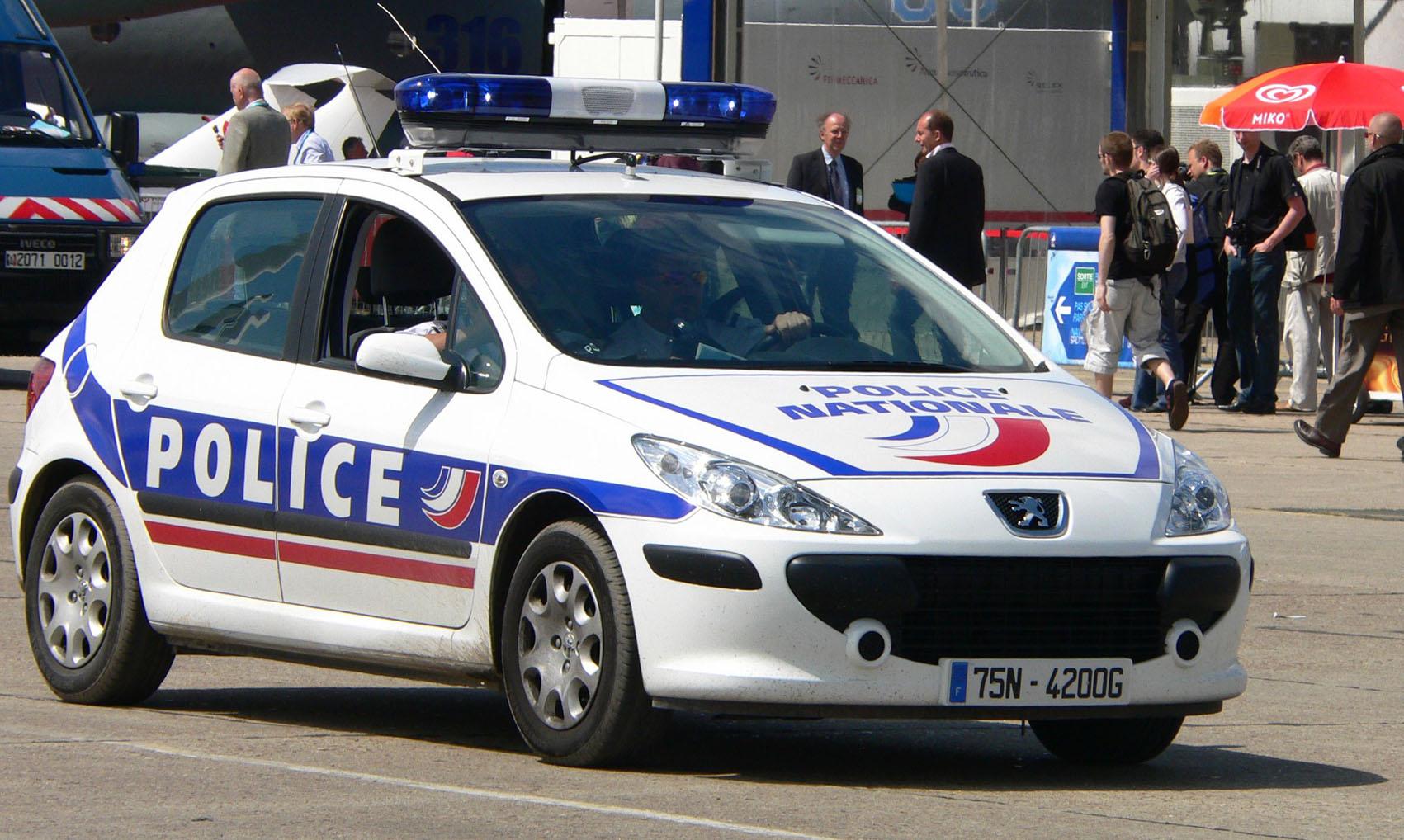 auto tuning m glichkeit photo de voiture de police. Black Bedroom Furniture Sets. Home Design Ideas