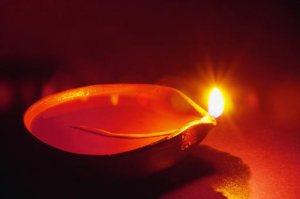 oil-lamp-512